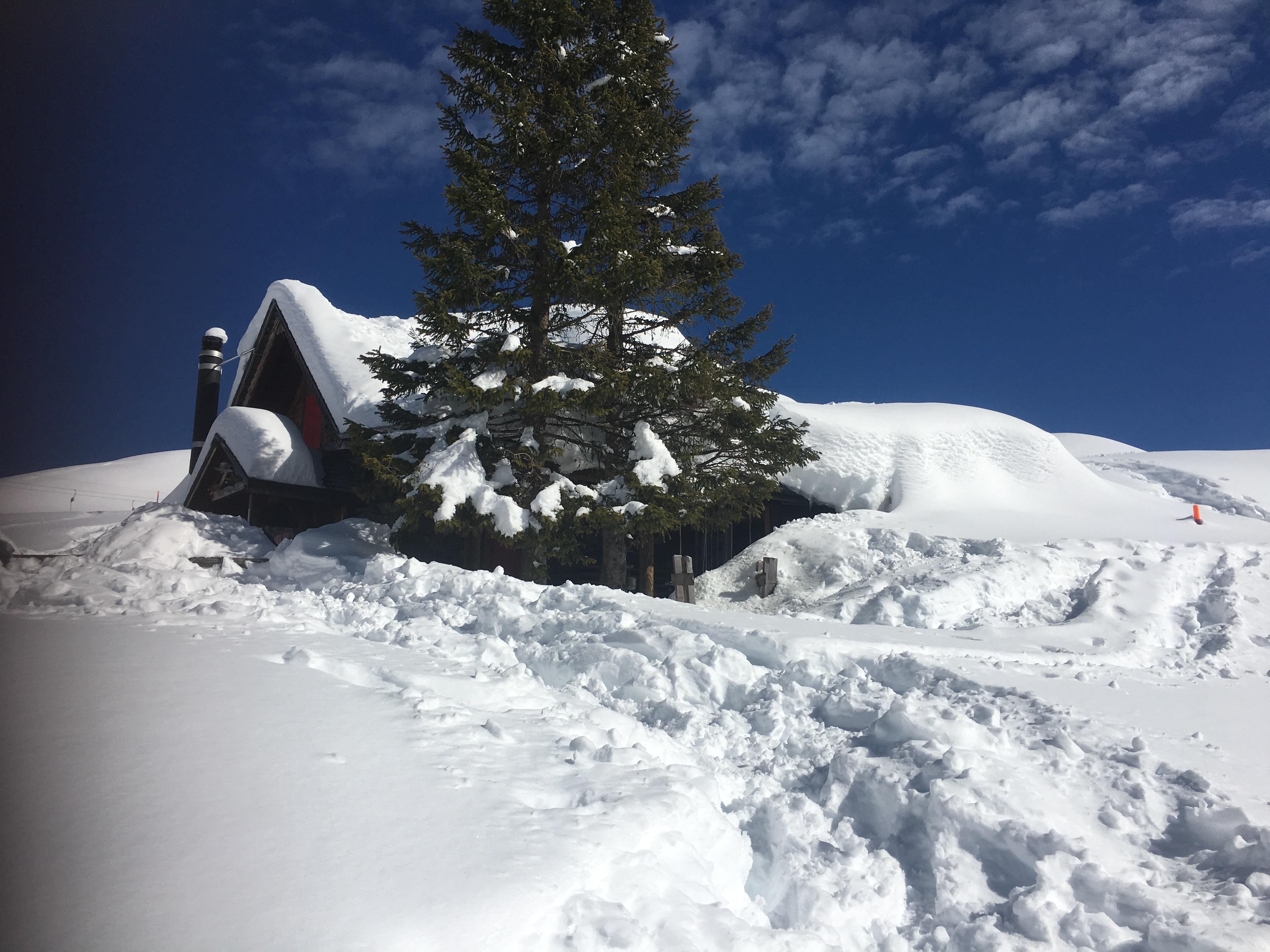 Lagerhaus Chrüzhütte Winter