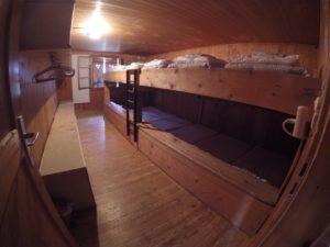 Holzzimmer Lagerhaus Chrüzhütte