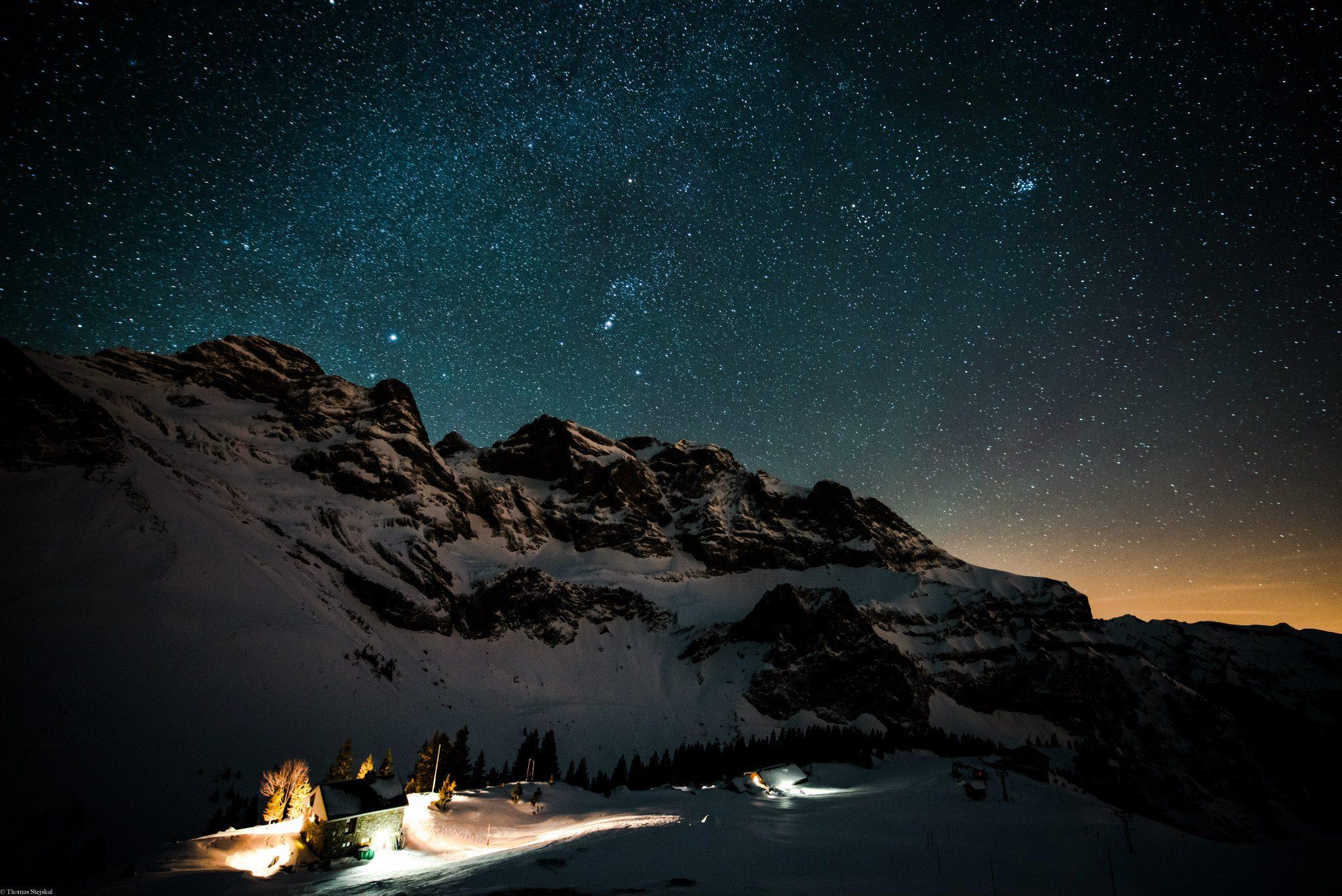 Nachtaufnahme Chrüzhütte Winter