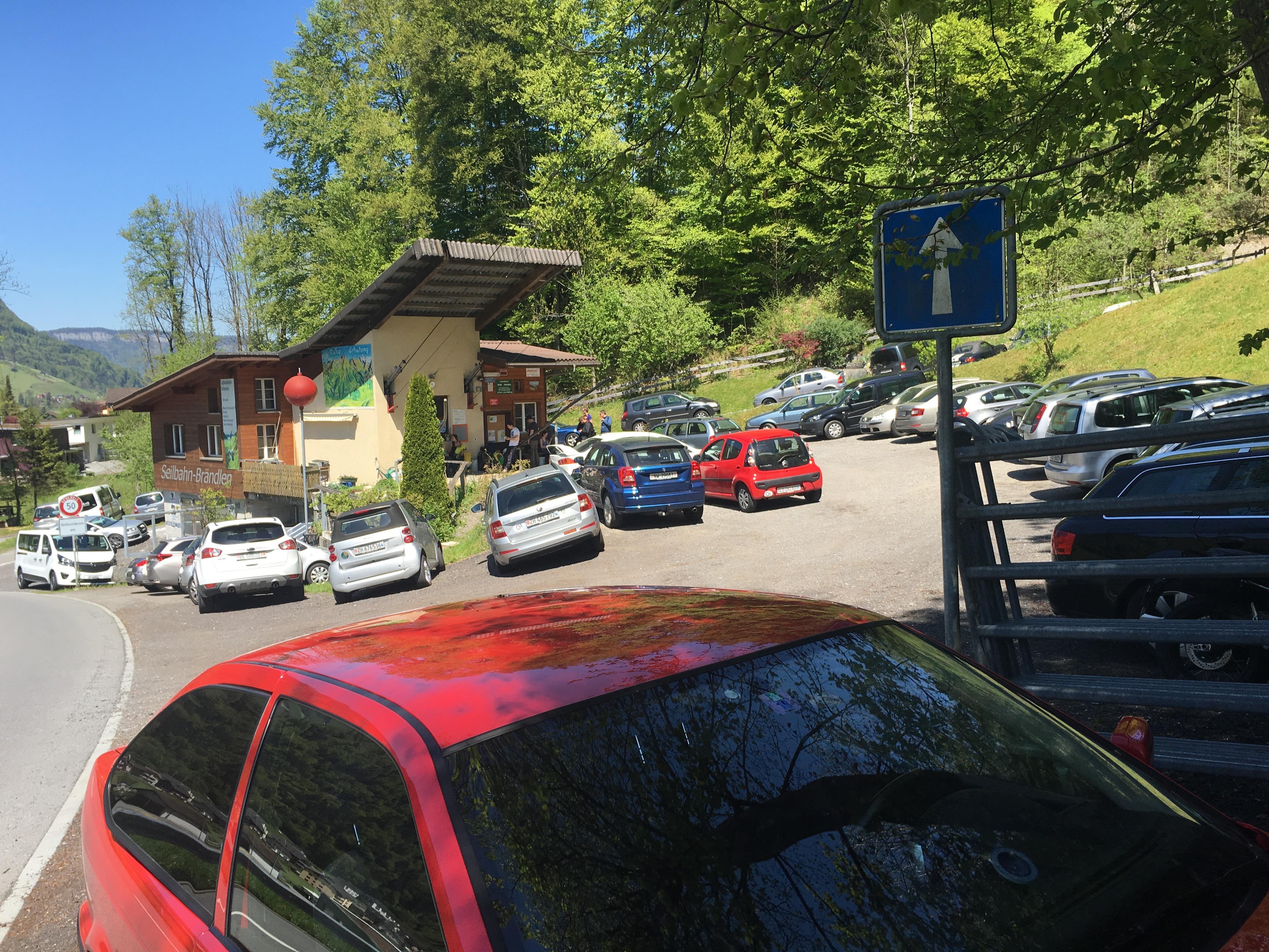 Parkplatz im Tal